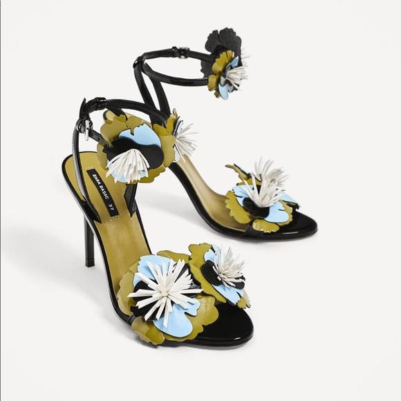 4bdd2923b8d NWT Zara Black High Heel Sandals with 3D Flowers NWT